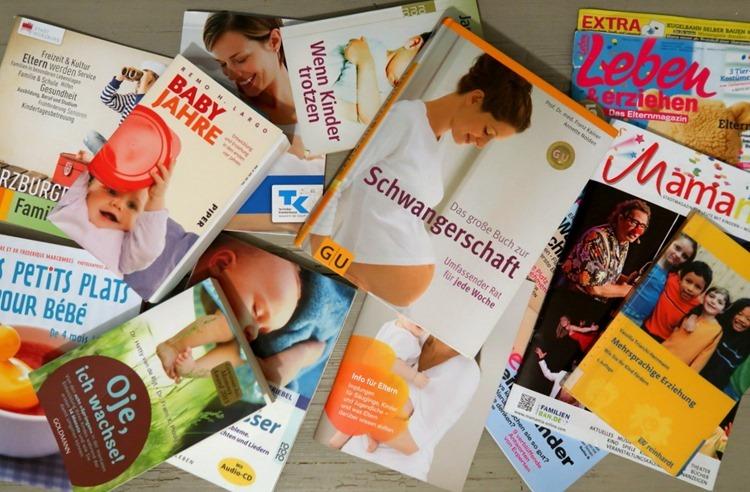 Bücher und Zeitschriften als Teil eines elterlichen Kommunikationsnetzwerks